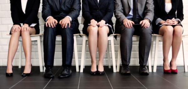 Fevereiro tem maior queda do emprego formal em 25 anos